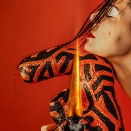 """Лиза Эшва """"Огонь"""" 2020 ©Лиза Эшва. Предоставлено: ТК """"Галерея"""" - Печатники."""