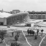 """Наум Грановский """"Спортивный комплекс """"Олимпийский"""" 1980. 1960-е. Предоставлено: © Галерея Люмьер."""
