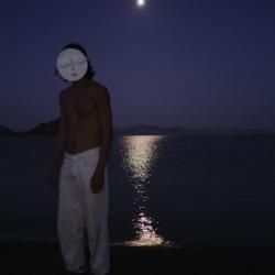"""Никита Лукьянов """"Moon mask"""". Фотография: Анисия Кузьмина. Предоставлено: Галерея SAMPLE."""