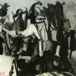 Н.Я. Симонович-Ефимова и И.С. Ефимов с куклами. 1930-е. Предоставлено ГЦТМ имени А.А. Бахрушина.