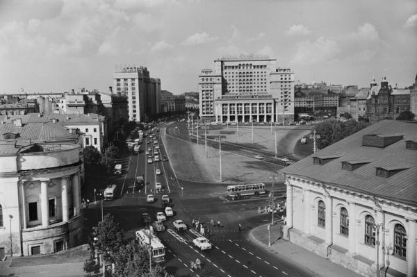 """Наум Грановский """"Проспект Маркса. Одностороннее движение"""" 1963"""