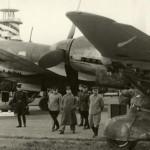 И.Сталин и другие советские руководители на военном аэродроме - осмотр новых самолетов