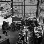 Александр Колдер с мобилем в студии Роксбери, 1941 Фото: Герберт Мэттер