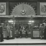 """Аркадий Шайхет """"В Центральном универмаге (ЦУМ)"""" Москва, 1946"""