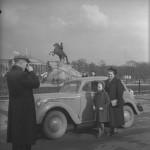 """Евгений Халдей «Москвич» на фоне Петра"""" Ленинград, 1950-е"""