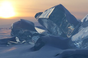 Журнал National Geographic Россия. Фототур «Ледяной Байкал».