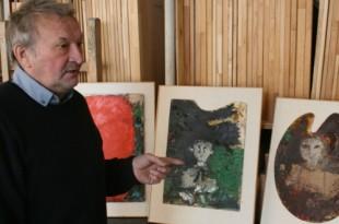 В мастерской художника. Валерий Сахатов.