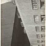 """Александр Родченко """"Двор. Из серии «Дом на Мясницкой» 1925"""