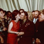 """Яков Халип """"Звездный поцелуй. Юрий Гагарин и Джина Лоллобриджида"""" 1961"""