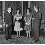 На приёме у королевы Великобритании Елизаветы II. Слева направо: А.Н. Косыгин, Елизавета II, дочь А.Н. Косыгина Людмила Гвишиани, принц Филипп, 12.02 1967
