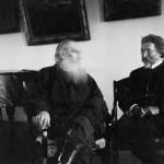 Л.Н. Толстой и И.Е. Репин. 1908. Ясная Поляна. Фотография С.А. Толстой