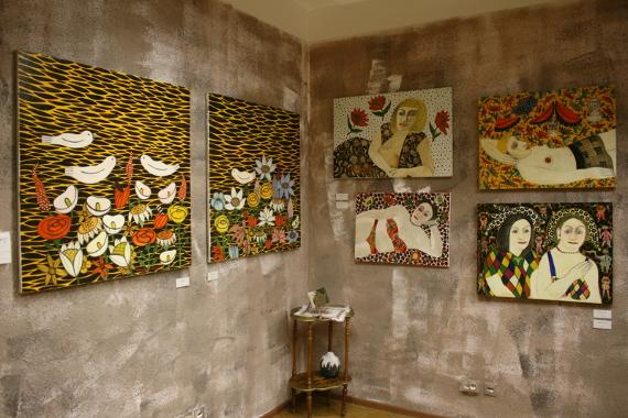 """Экспозиция выставки в Галерее """"Арка"""""""