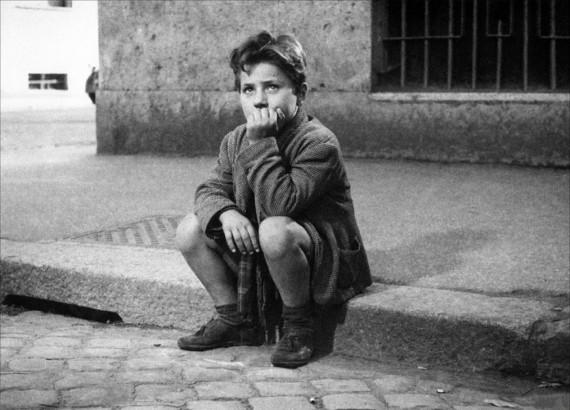 Режиссер Витторио де Сика «Похитители велосипедов» 1948