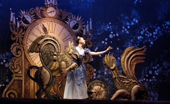 """Сцена из балета """"Золушка"""" С.С. Прокофьева. Фото: Алексей Панков."""