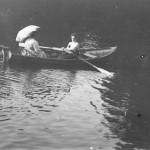 Дамы в лодке. Начало 20 века.