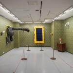 Вид экспозиции выставки Олега Елисеева и Евгения Куковерова «Шершавый маршрут» 2016
