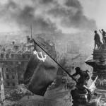 """Евгений Халдей """"Знамя Победы над Рейхстагом. Берлин"""" 1945"""