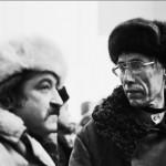 Генрих Сапгир и Игорь Холин на выставке в павильоне «Пчеловодство» на ВДНХ. Москва. 1975