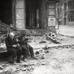 """Евгений Халдей """"Зачем война?"""". слепой с поводырем. Берлин"""" 1945"""