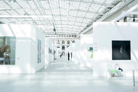 Международная ярмарка современного искусства Cosmoscow в Гостином дворе