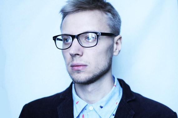 Денис Хоров – Источник muzcentrum.ru