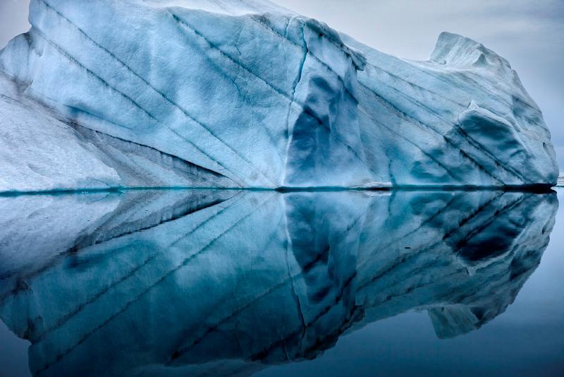 """Себастьян Коупленд """"Отражения айсберга, Гренландия"""" 2010"""