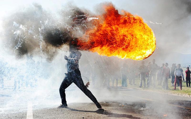"Фандулвази Джайкло ""Протесты в Грабу"" ЮАР"