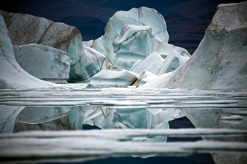 """Себастьян Коупленд """"Плавучая льдина VII, остров Элсмир, Канадская Арктика"""" 2008"""