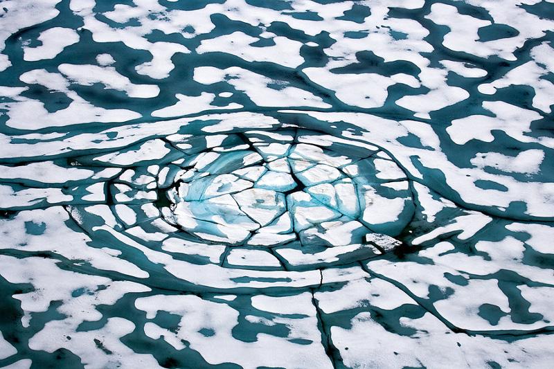 """Себастьян Коупленд """"Полынья. Канадская Арктика"""" 2010"""