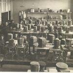 Выставка макетов работ на тему «Выявление и выражение массы и веса» по дисциплине «Пространство» в аудитории основного отделения. ВХУТЕИН. 1927–1928