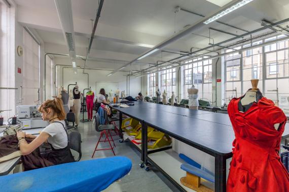 Мастер-класс Пола Юлла «Как графика применяется в современном дизайне моды».