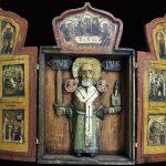 Трехстворчатый складень с объемным изображением святителя Николая Мирликийского, 18 век