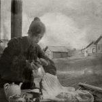 "Борис Кустодиев ""В Ивашеве на постоялом дворе. Ю.Е. Кустодиева"" 1903"
