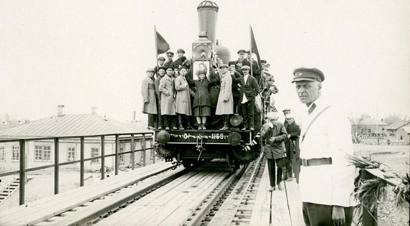 """Неизвестный фотограф """"Открытие моста через Иртыш. Турксиб"""" Семипалатинск, 1 мая 1929 года"""