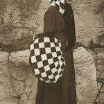 """Неизвестный автор """"Последний писк моды. Шахматный дизайн мехов"""" 1914-1918"""