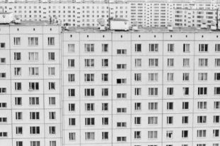 Игорь и Юрий Пальмины. Новая квартира.
