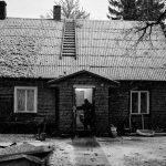 "Татьяна Линд ""Трубочист входит в дом недалеко от Таллина (Эстония)"""