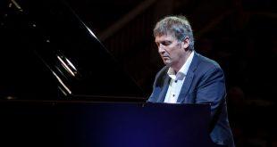 Борис Березовский и Национальный филармонический оркестр России.