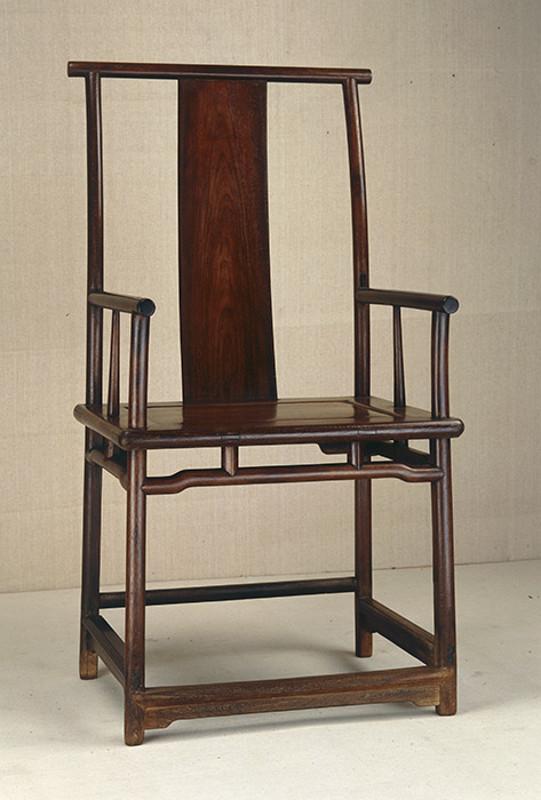 Кресло в форме шапки чиновника