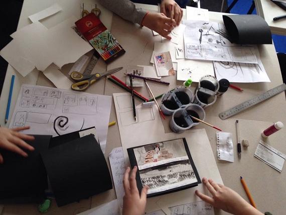 «Мастерская книги» в рамках проекта «Детский Манеж». С 15.09 до 15.12.2018 МВО «Манеж» в Гостином дворе. Мастерская книги – лаборатория, в которой дети изучают процессы рождения книги и создают собственные от задумки до переплета.
