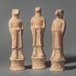 Три скульптуры, символизирующие годы Мыши, Змеи и Овцы из двенадцатилетнего календарного цикла. Китай, династия Тан (618-907)