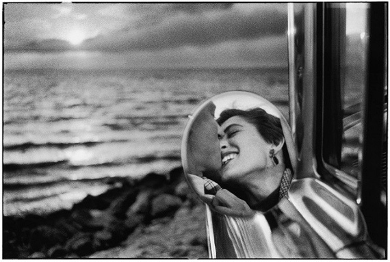 Эллиотт Эрвитт «США, Калифорния» 1956 © Elliott Erwitt/ MAGNUM PHOTOS. Предоставлено Still Art Foundation.
