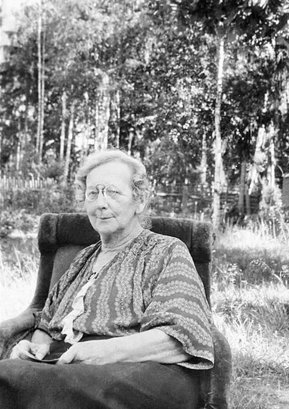 Ольга Александровна Бари-Айзенман. Звенигород. 1953.
