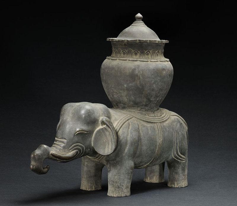 Сосуд для вина цзунь в форме слона
