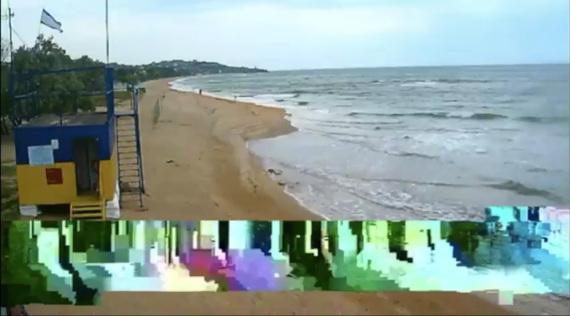 """Настя Айнеанунг и Даша Абдуллина. Хэппенинг """"Возвращение на море"""". Площадка Старт – Центр современного искусства Винзавод."""