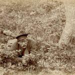 """Николай Мещерин """"Дугино. Неизвестный с букетом полевых цветов"""" 11.05.1887"""