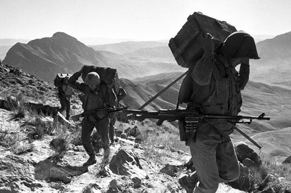 """Фотовыставка """"Афган - наша память!"""" Фотоцентр на Гоголевском бульваре."""