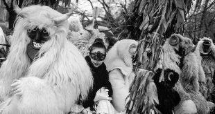 Авторская экскурсия Андраша Фекете по выставке «Зимние сказки».