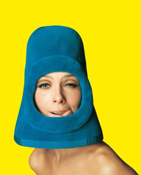Жан-Даниэль Лорье «Ольга для модного дома Pierre Cardin». Обложка журнала Ragazza Pop, Рим, 1972