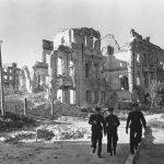 """Евгений Умнов """"Восстановление Сталинграда"""" 17 июня 1944"""